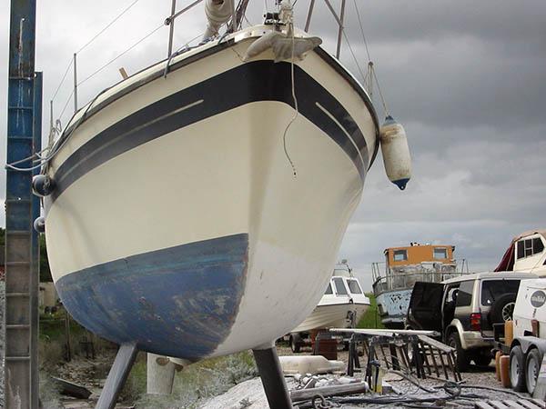 очистка яхты при помощи бластинга
